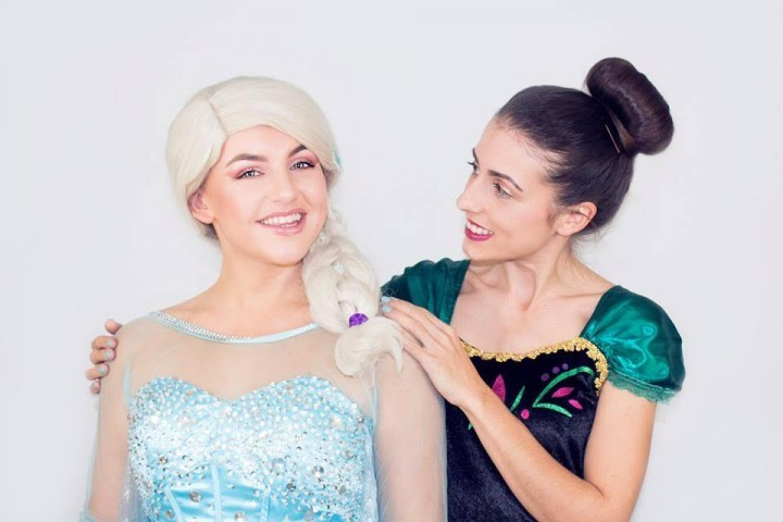 """""""Frozen"""" themed afternoon tea at Shropshire hotel to celebrate launch of sequel film"""