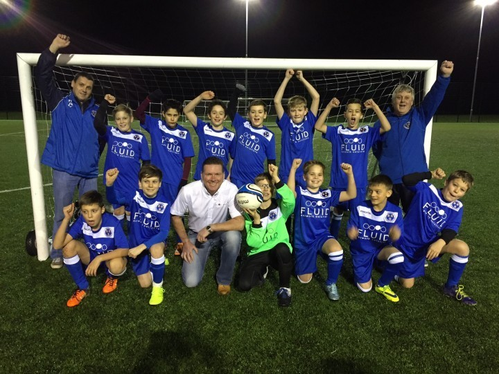 Football team gets early Christmas present with sponsorship from local business