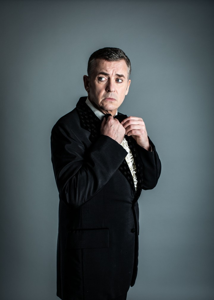 Shane Richie to star in the Entertainer at Theatre Severn